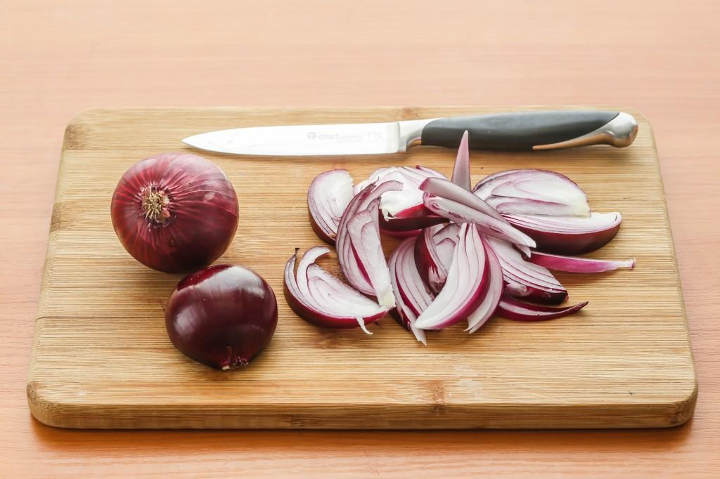 Как сделать лук чтобы он не горчил в салате