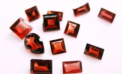 Cut_garnet_collection